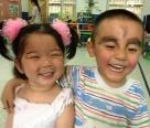 看看幼儿园这两调皮捣蛋的小朋友!